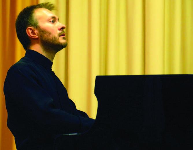 Mikhail Shilyaev (piano)